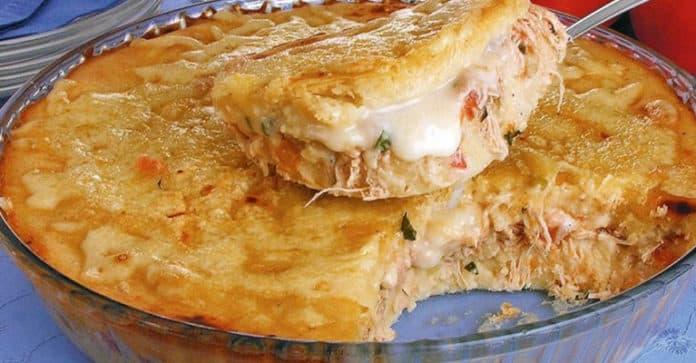Torta de mandioca com frango e Catupiry