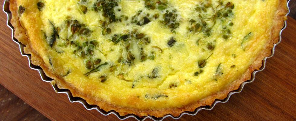 Quiché de queijo com brócolis
