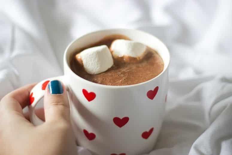 Chocolate Quente com Marshmallow, você vai se apaixonar e vai te acompanhar em todos os invernos do ano.