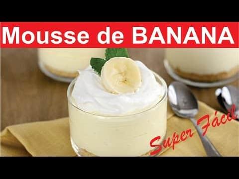 Eu sou apaixonado por sobremesas que levam banana e quando vi a receita de como fazer Mousse de Banana Simples eu logo quis experimentar e corri para cozinha pra testar essa receita.