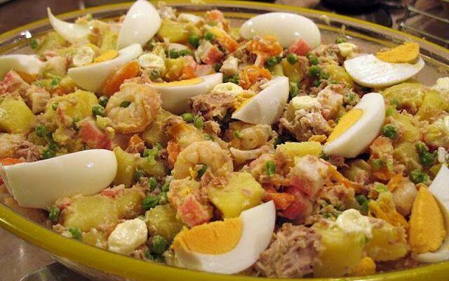 salada de atum com camarão