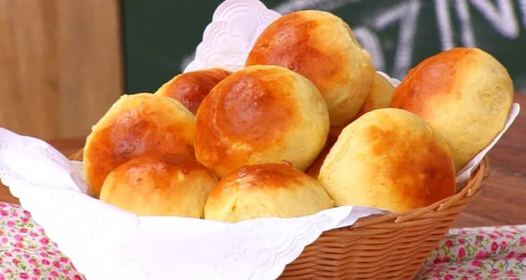 Pão de leite fofinho com 3 ingredientes super fácil e gostosa essa receita