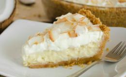 torta de coco dourada