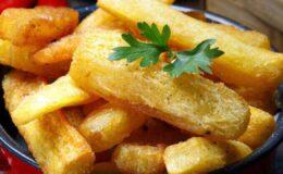 mandioca assada no forno mais crocante que frita
